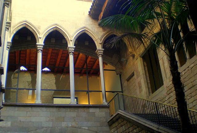 Pátio de Entrada ao Museu Picasso