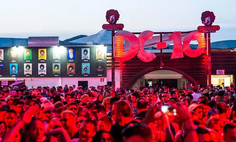 Balada DC-10: Festa Circo Loco em Ibiza