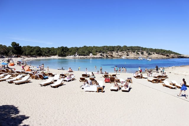 Cala Bassa em Ibiza - formato da praia
