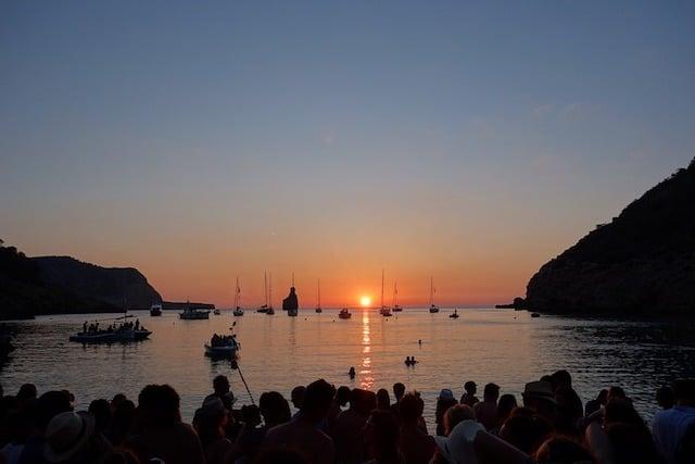 Cala Benirràs em Ibiza - pôr do Sol