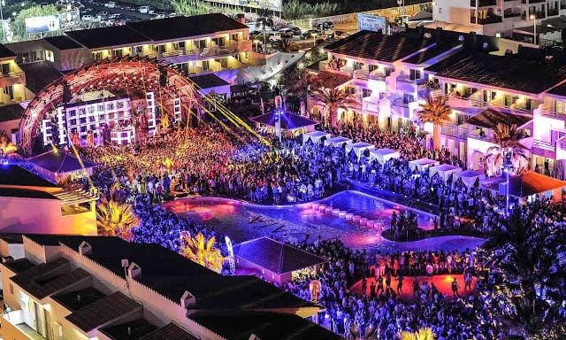 Balada Ushuaia em Ibiza a noite