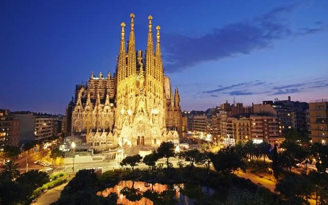 Tempo de avião até Barcelona