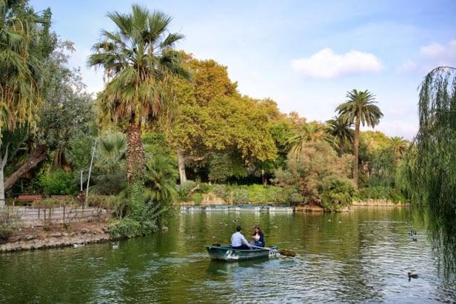 Passeio de barco no Parque de la Ciutadella