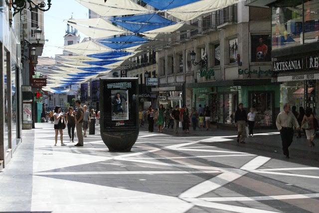 Calle Preciados em Madri
