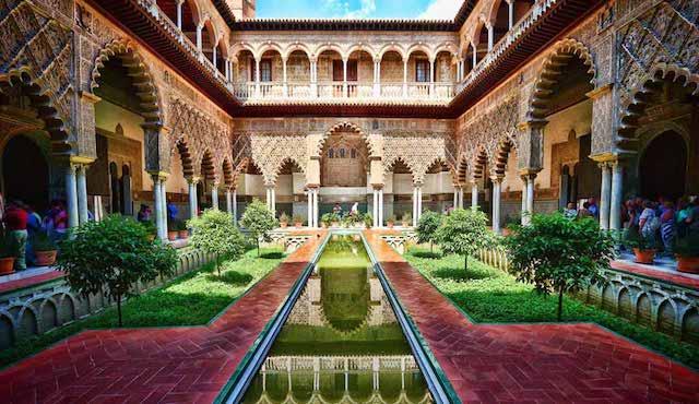 Pátio do Real Alcázar de Sevilha