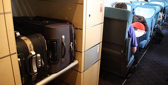 Lugar para colocar as bagagens no trem