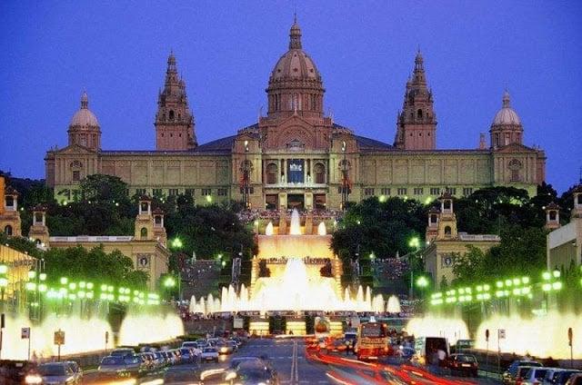 10 lugares para curtir a noite em Barcelona