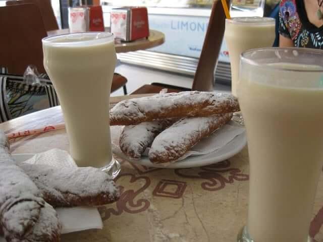 Comidas e bebidas de verão - horchata