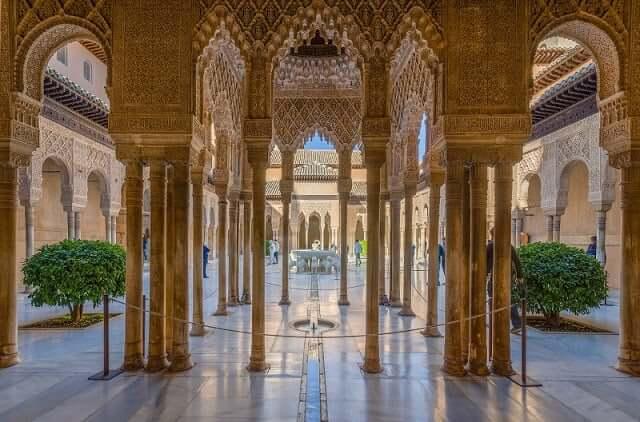 Interior da Alhambra em Granada