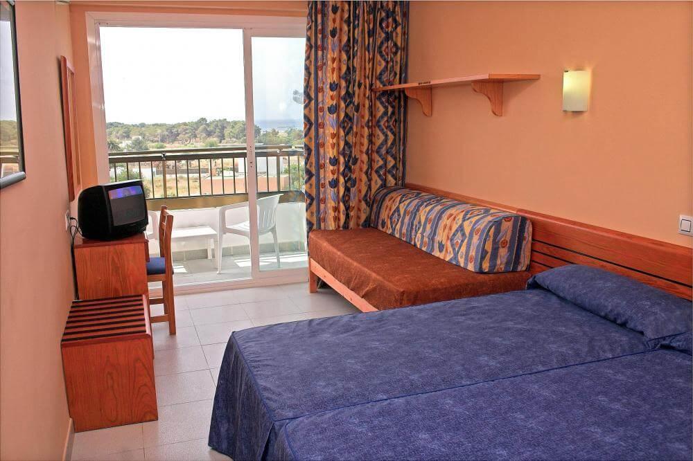 Hotel Caribe em Ibiza - quarto