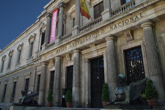 Fachada do Museu Arqueológico Nacional de Madri