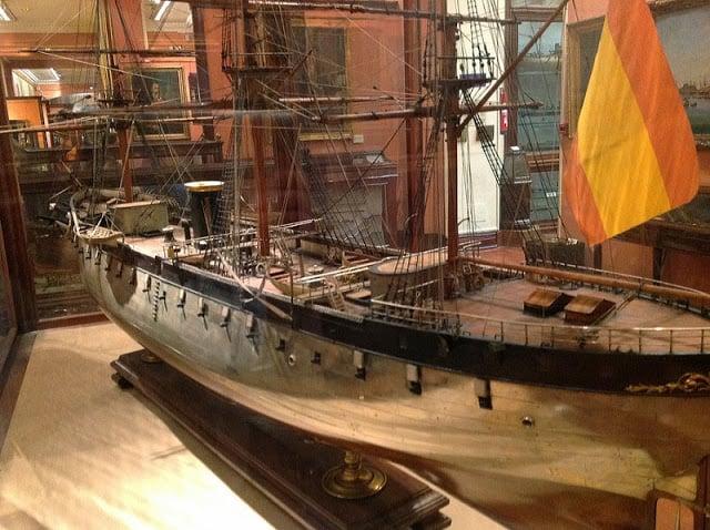 Embarcação no Museu Naval de Madri