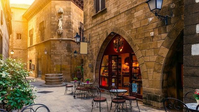 10 lugares para beber e conversar no Barri Gótic em Barcelona