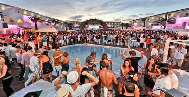 Ir para Ibiza em julho