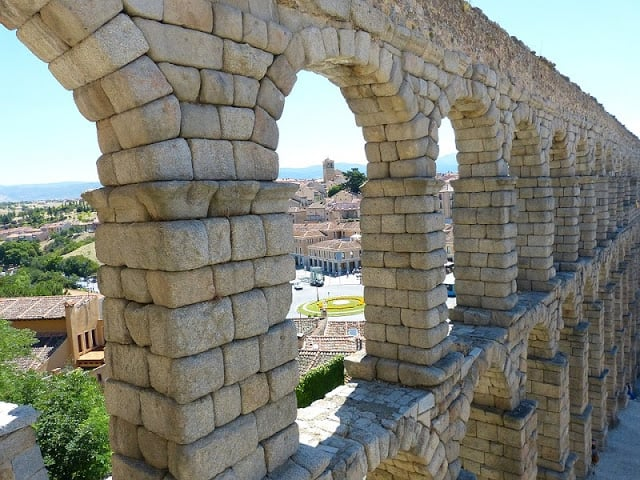 Vista de cima do Aqueduto de Segovia