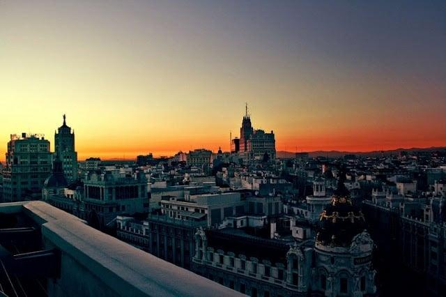 Entardecer em Madri - mais tarde no verão