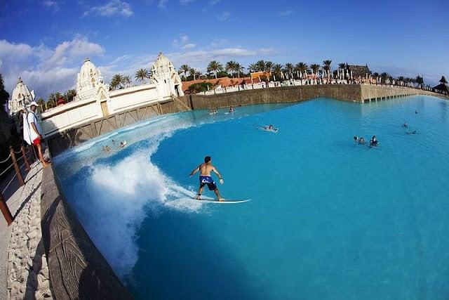 Piscina de ondas do Siam Park em Tenerife