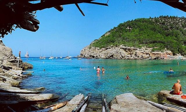 Cala Benirràs em Ibiza