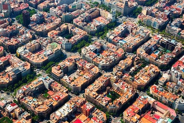 Vista aérea do Bairro Eixample em Barcelona