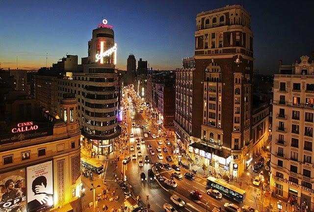 Noite na Gran Vía em Madri