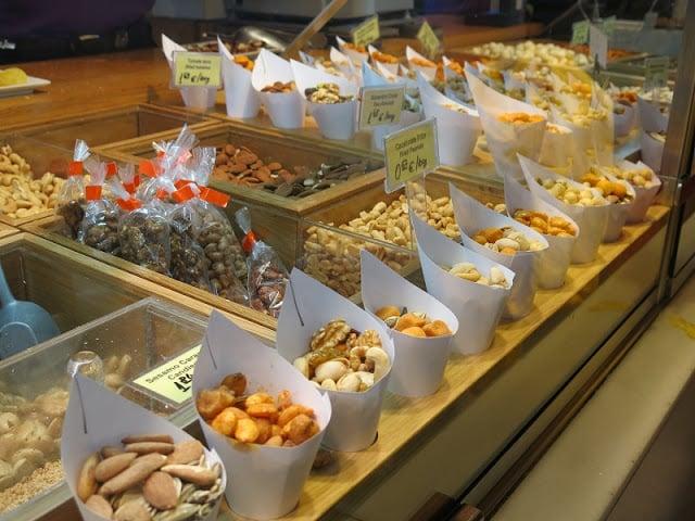 Postos de comida no Mercado de San Miguel