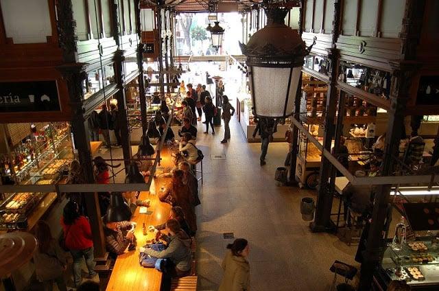 Detalhes do interior do Mercado de San Miguel