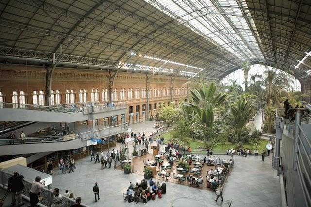 Interior Estação Atocha em Madri