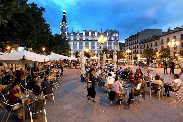 Plaza de Santa Ana em Madri