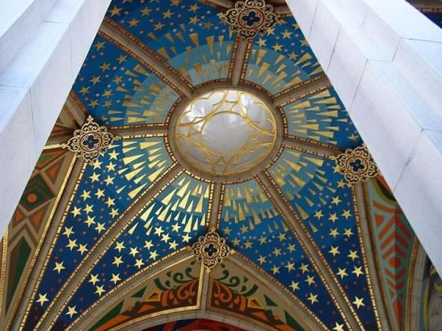Detalhe da Cúpula da Catedral de Almudena - Madri