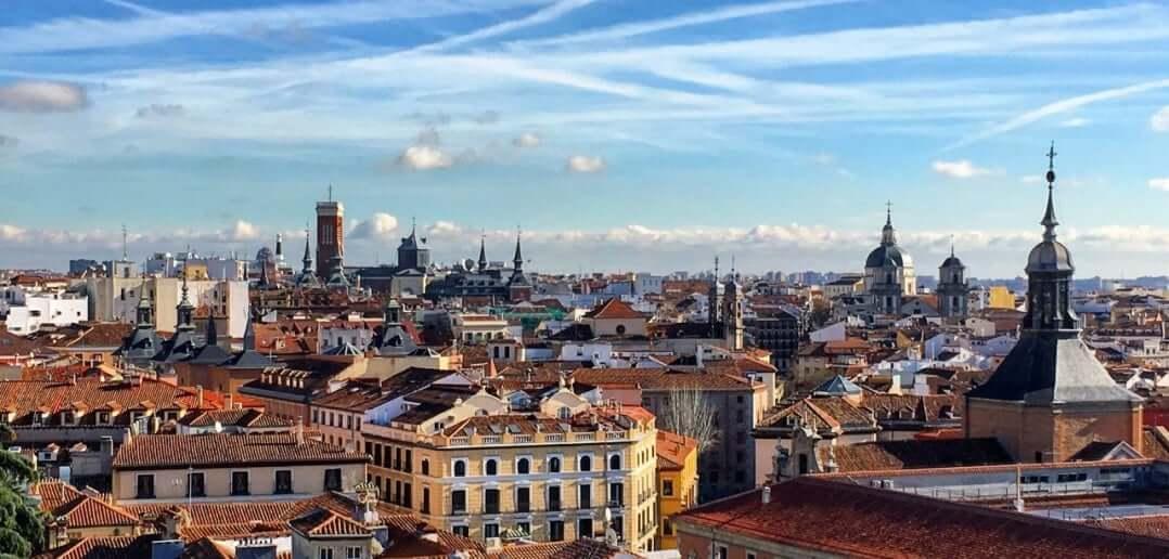 Madri - vista da Catedral de Almudena