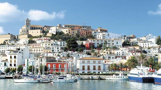 Cidade de Santa Eulália em Ibiza