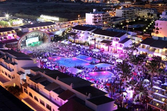 Baladas e festas em Ibiza