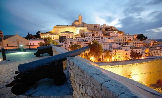Passeio pelo centro de Ibiza