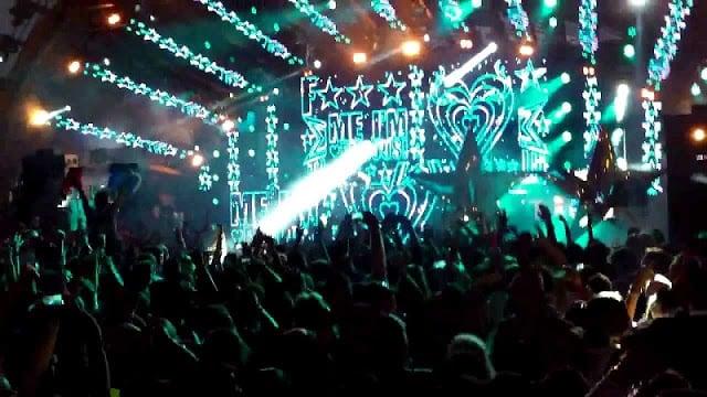 Festa F***Me I'm Famous - Balada Ushuaia em Ibiza