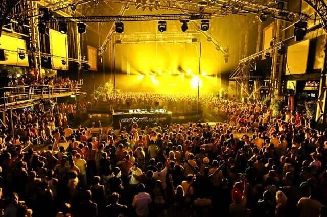 Espaço da balada Privilege em Ibiza