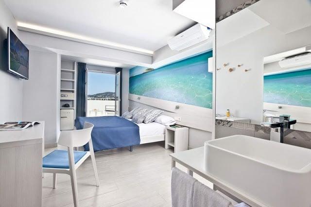 Hotel Ryans La Marina em Ibiza