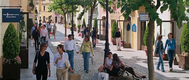 Passeio pelo Las Rozas Village em Madri