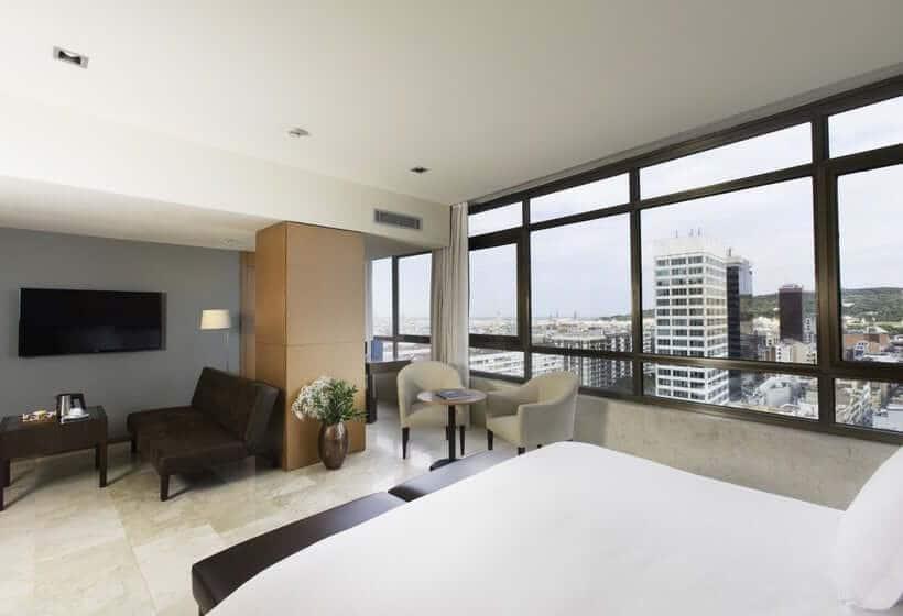 Gran Hotel Torre Catalunya em Barcelona - quarto