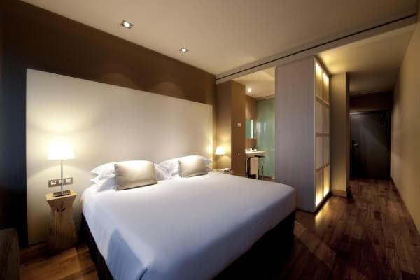 Grand Hotel Central em Barcelona - quarto