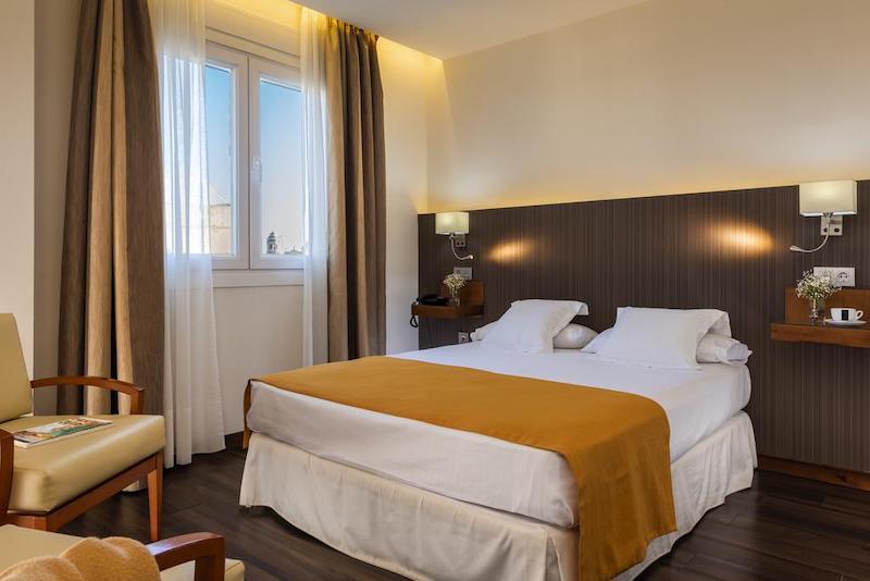 Hotel de Francia y Paris em Cádiz - quarto