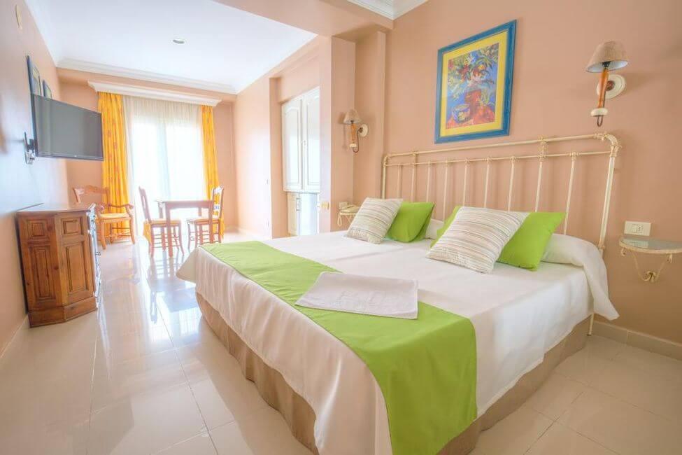 Hotel RF Astoria em Tenerife - quarto