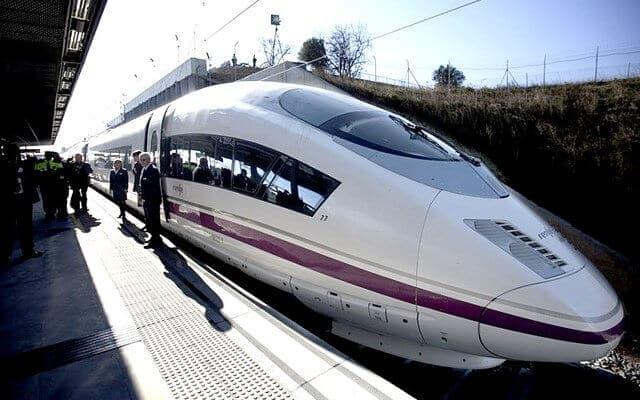 Viagem de trem de Barcelona a Sevilha