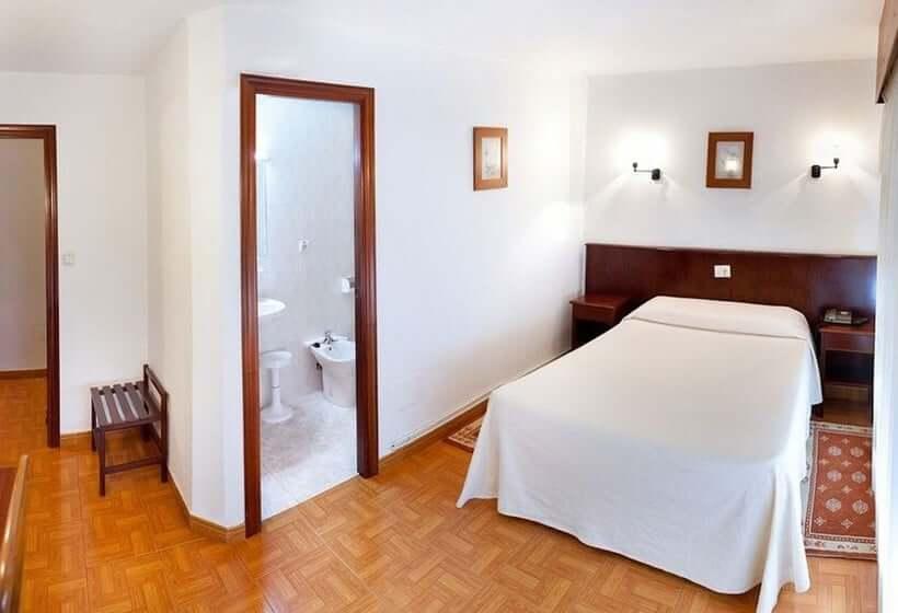 Hotel Nido em A Coruña - quarto