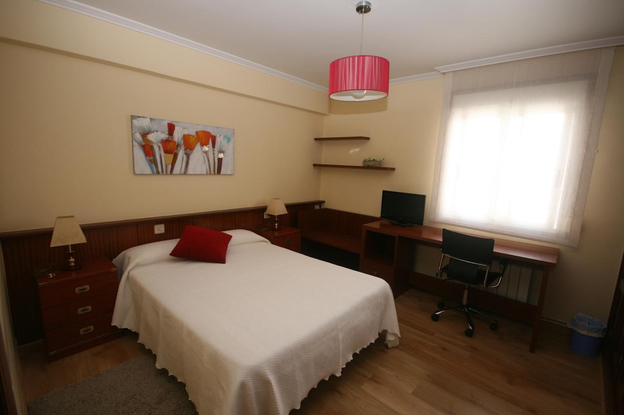 Pensión Residencia La Paz em Santiago de Compostela - quarto