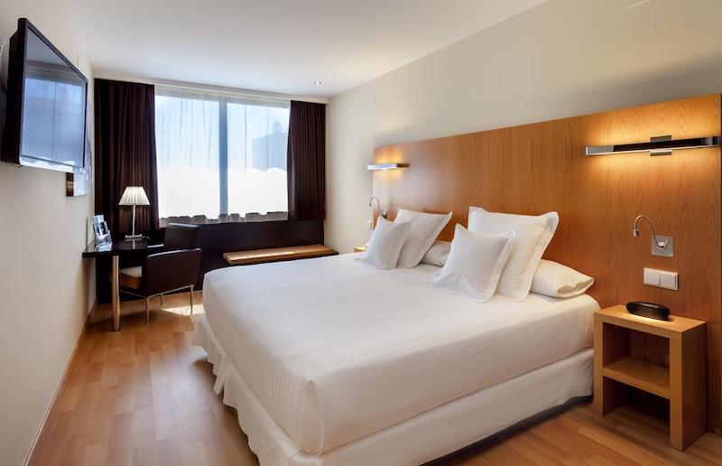 Hotel Occidental em Cádiz - quarto