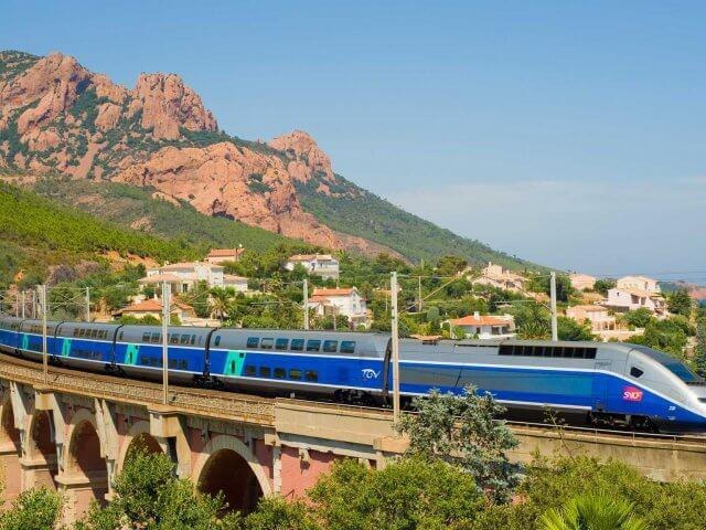 Viagem de trem de Barcelona a Montpellier