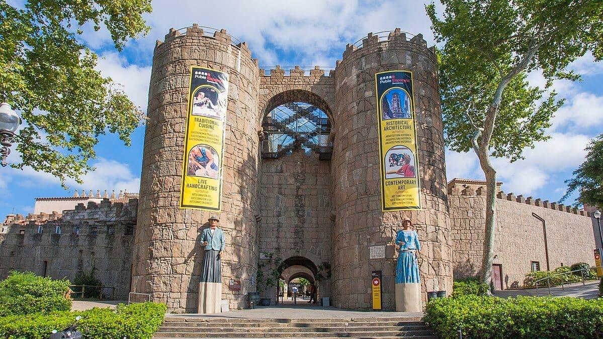 Entrada do Poble Espanyol em Barcelona - Puertas de Ávila