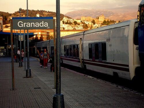 Viagem de trem de Sevilha a Granada