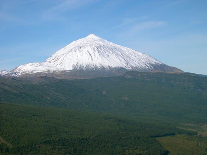 Vulcão El Teide com neve