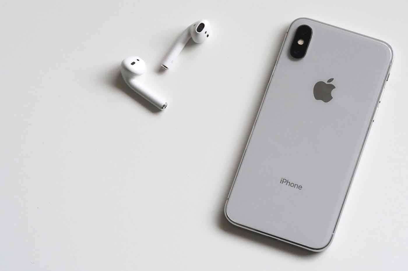 Iphone X com Airpods